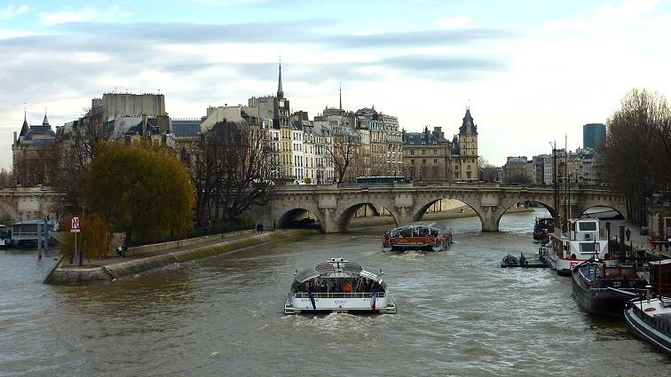 Paris  tekne turu