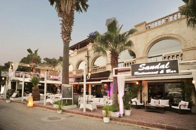 sandal-restaurant