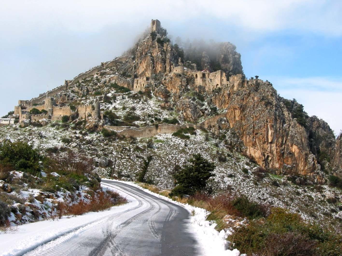 St.Hilarion-Kalesi-Kıbrıs1
