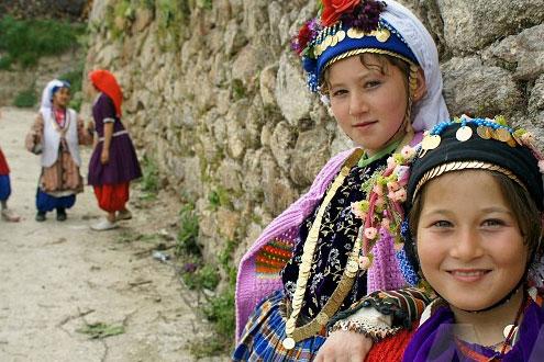 Çomakdağ Köyü Kıyafetler